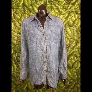 Foxcroft Chambray Fitted Fit Button Down Shirt